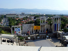 Old Plovdiv, Bulgaria - Roman theatre (johnnysenough) Tags: 62 oldplovdiv romantheatre teatrumtrimontense пловдивскиантичентеатър plovdivskiantichenteatar plovdiv bulgaria bălgarija bulgarie bulgarien centraleurope пловдив 18th19thcentury balkanarchitecture historical travel vacation 100citiesx1trip snv37808