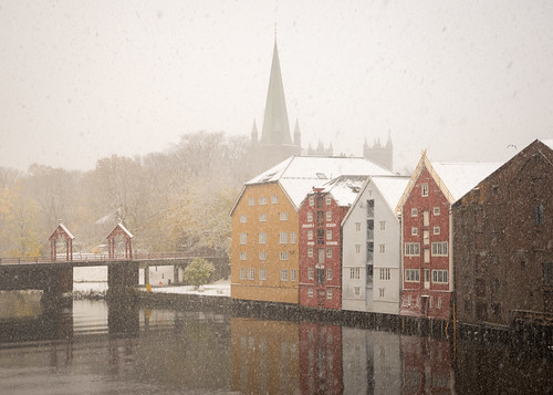 Snow on Nidelva, Trondheim