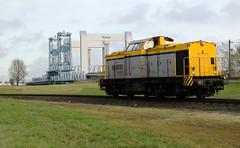 Shunter 203 102 - Rotterdam-Botlek (rvdbreevaart) Tags: shunter v100 br203 rotterdam botlek botlekbrug havenspoorlijn diesellocomotief trein eisenbahn