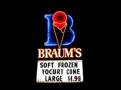 Braum's neon sign at night in Edmond, Oklahoma (kevinellison62) Tags: neon signs braums edmond oklahoma restaurant