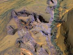 ESP_047502_1730 (UAHiRISE) Tags: mars nasa mro jpl universityofarizona landscape geology science