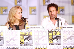 Gillian Anderson & David Duchovny (Gage Skidmore) Tags: california chris david john san comic anniversary howard jerry vince diego jim center x glen anderson gordon convention files carter gillian morgan wong darin con 20th gilligan duchovny amann 2013 shiban
