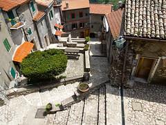 Rocca di Cave (Monica Galentino) Tags: italia torre cave castello borgo rocca lazio paese