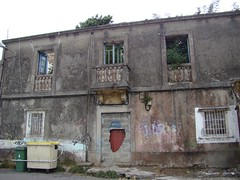 Conoció tiempos mejores: Ayuntamiento de Santa María de Oza (-Merce-) Tags: geotagged spain coruña 1912 oza enunlugardeflickr anexión bardoscultural