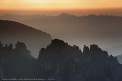 sunrise in Daguantai (*dans) Tags: china nationalpark avatar cableway hunan intheair paddyfield  zhangjiajie jamescameron   wulingyuan tianzishan        danielmshih   zhangjiajienationalforestpark        zhangjajie  thehangingpaddyfield theworldnatureheritage  warriortaminghorse tianzishancableway  arrangingbattlesplatform
