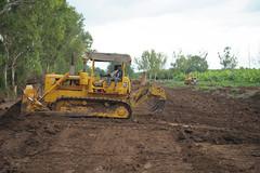 2013_11_10_Afgoye_Road_Works_G.jpg (AMISOM Public Information) Tags: africa road farmers soldiers ist roadwork somalia sna africanunion afgooye afgoye amisom roadgrading tobinjones
