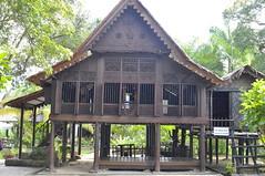 _DSC0282 (bung_zul) Tags: malaysia kg langkawi kedah tok perkampungan senik makam mahsuri