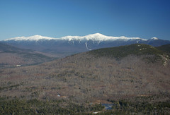 Snow Capped Presidential Range (madre11) Tags: mountains fall landscape scenery newengland newhampshire mtwashington snowcapped daytime presidentialrange vision:mountain=0868 vision:outdoor=099 vision:sky=0985 vision:ocean=0651 vision:clouds=0971