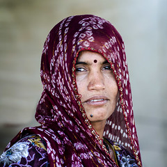 @ Pushkar - Rajasthan (dsaravanane) Tags: life sunset shadow portrait bw sun india sand pushkar chennai rajasthan cwc desertlife saravanan womman pushkarmela pushkarfestival pushkarpeople chennaiweekendclickers dsaravanane saravanandhandapani yesdee yesdeephotography pushkarwoman