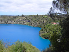 mountgambier mtgambier bluelake crater volcaniclake lake colour