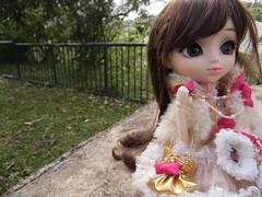 La route est longue pour une poupée.... (DidiTisseDesLiens (AB)) Tags: parque iris doll pullip 2012 2014 poupée parck 2011 2013 nanaette diditissedesliens