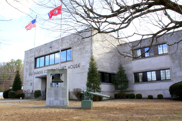 Humpreys County Courthouse (2014B) - Waverly, TN
