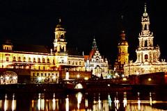 Dresden bei Nacht (Magdeburg) Tags: by night dark dresden photo foto darkness shot nacht scene fotos nightphoto dunkel bei nachtaufnahme nachts aufnahme nachtfoto dresdenbeinacht dresdenbynight nachtdresden nachtaufnahmedresden nachtsdresden fotosdresden nachtfotodresden