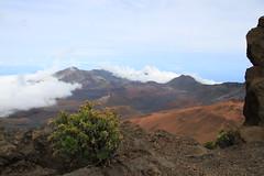 Magnetic Peak View (BattysGambit) Tags: 2016 usa hawaii hawaiian holiday maui fall clouds magnetic peak volcano dormant haleakal national park 10000 feet cinder cindercone martian landscape mountain canon dslr 7d