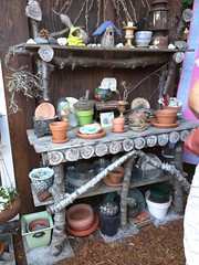 IMG_20160723_112528 (cyborgsuzy) Tags: garden pottingtable
