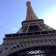 Traveling (maevabenton) Tags: city architecture monument photo picture tower toureiffel paris tour extrieur