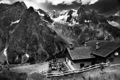 Rifugio Alpino Bonatti (Enrico Pinna) Tags: courmayeur valledaosta italia