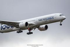 IMG_4435 copie (Simon Gratien -- WWW.SGRATIEN.COM New Web site) Tags: airbus a3501000 xwb a350 aircraft airplane wwwsgratiencom simongratien canon eos7d ef100400lis