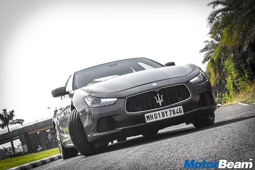 2017-Maserati-Ghibli-07