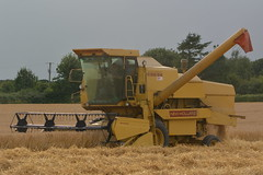 New Holland Clayson 8060 Combine Harvester cutting Winter Barley (Shane Casey CK25) Tags: new holland clayson 8060 combine harvester cutting winter barley rathcormac yellow cnh nh newholland grain harvest grain2016 grain16 harvest2016 harvest16 corn2016 corn crop tillage crops cereal cereals golden straw dust chaff county cork ireland irish farm farmer farming agri agriculture contractor field ground soil earth work working horse power horsepower hp pull pulling cut knife blade blades machine machinery collect collecting mähdrescher cosechadora moissonneusebatteuse kombajny zbożowe kombajn maaidorser mietitrebbia nikon d7100