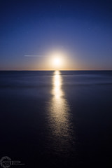 Moon rise (PhilPhotosity) Tags: moon rise moonrise night reflection water light nature worlds spacial