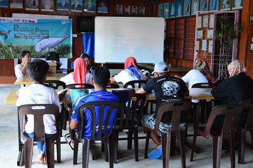 Dr. Nurul Teaching English