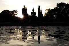 Illumination (fredMin) Tags: sunset buddha statue ray sun thailand xt1 xf 1655