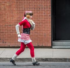 run run run (maoby) Tags: rouge run nikon d500 85mm rue street montral
