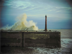 Early stages (Nicolas Valentin) Tags: anstruther fife lighthouse scotland sea wave