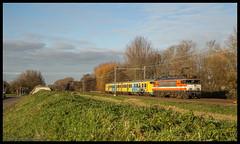 Locon 9904+904 te Delft Zuid (MyronvRuijven) Tags: 70450 plan v mat 64 904 nsr nederlandse spoorwegen locon transport 9900 9904 delft zuid