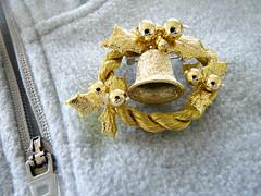 Brooch (sallyNZ) Tags: challenge 30 zipper 52in2016challenge christmas brooch ansh