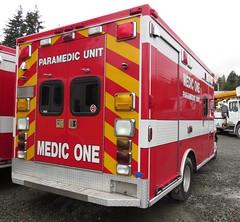 Redmond Fire 7522 (zargoman) Tags: ambulance aidcar emergency response ford truck northstar medic aid