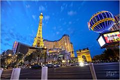 Paris Las Vegas (JFPhotography24) Tags: canon nightshot lasvegas cityscapes vegasstrip ef1635l cs5 5dmkiii snapseed