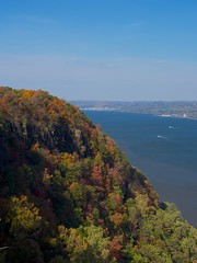 (wxkeith) Tags: trees sky usa newyork newjersey flickr day clear northamerica hudsonriver scenicoverlook englewoodcliffs bergencounty palisadesinterstateparkway olympusm1250mmf3563 pwfall