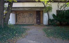 IMG_4376.jpg (BradPerkins) Tags: abandoned abandonedoffice building chicago chicagoist clutter door emtpy graffiti lincolnwood neglected office overgrown urbanlandscape