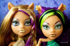 Golden Ghouls (myookat) Tags: monster high wolf sister pack wishes 13 mh clawdeen