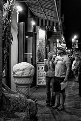Ice cream attraction! (ganagafoto) Tags: street people bw america travels strada nashville gente tennessee broadway bn icecream northamerica viaggi gelati ganagafoto nordamerica