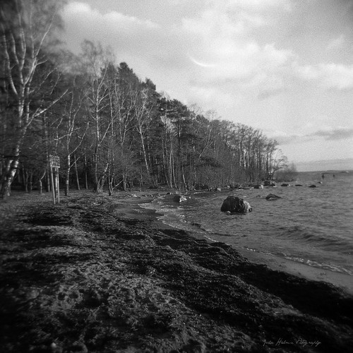 "Holga-_Beach • <a style=""font-size:0.8em;"" href=""http://www.flickr.com/photos/33154184@N04/11704894193/"" target=""_blank"">View on Flickr</a>"