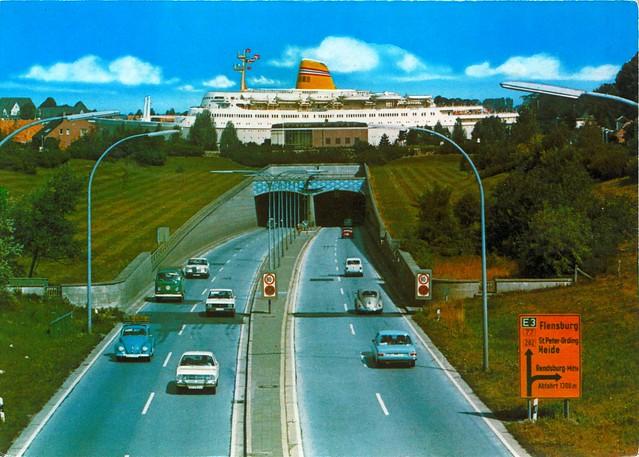 vw germany volkswagen deutschland ship fiat postcard beetle tunnel mercedesbenz 1992 100 audi rendsburg 90s transporter opel schleswigholstein t2 käfer 850 kadett ansichtskarte strichacht w114 k70 worldcars w114115 r2u