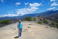 Loja - Ecuador (Chruistian Vidal) Tags: beautiful azul america landscape ecuador arboles autoretrato paisaje colores cielo nubes hermoso loja montaas catacocha paltas chruistian chruistianvidal