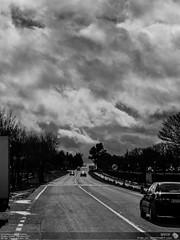 tormentas en Nuevo Baztan (felixbernet) Tags: madrid road travel viaje sky bw cloud blancoynegro clouds way blackwhite exterior camino carretera bn viajes cielo nubes tormenta asfalto nube excursiones nuboso metereologia baztan nuevobaztan tecnicasfotograficas valledelbaztan alcarriamadrilea luzdomadacom