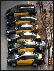 ...en attente... (fredf34) Tags: barcelona españa canon couleurs taxi taxis powershot espagne catalan barcelone basilique sagradafamília antonigaudí catalogne fredf powershots3is s3is canons3is canonpowershots3is s3iscanon fredf34 3ispowershot fredfu34