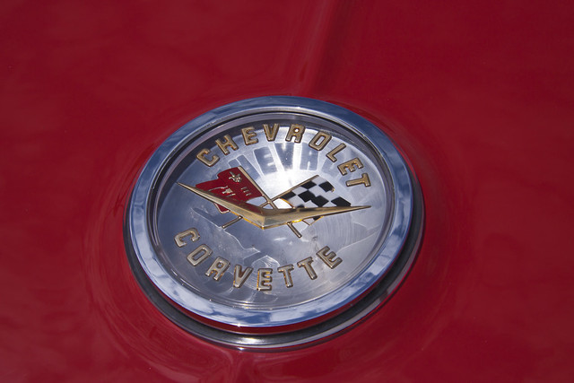 chevroletcorvettebadge 19611962chevroletcorvette