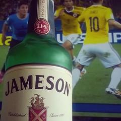 James est prendido #JAMESon #itsnotjamesishames #sevalesoar #esatalleysecanoexiste (Vacacion) Tags: square squareformat unknown iphoneography instagramapp uploaded:by=instagram foursquare:venue=4b7453d3f964a52084d52de3