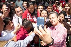 AR1_1806_ALFOSO REYES (Mi foto con el Presidente MX) Tags: presidente mxico mi foto carretera el julio con cuautla 2014 inauguracin mifoto chalco ixtapaluca enriquepeanieto peanieto epn presidencia20122018 distribuidorvialentronque