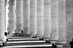 Colonnato, San Pietro (matteo.vannacci) Tags: roma rome italy italia lazio urbe capitale capital sanpietro san pietro colonne column columns colonnato bernini shadow ombra bw blackandwhite black white