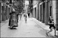The King Is Coming (shlomo2000) Tags: children espana spanien schwarzweiss noir blanc people candid outside disguise carnival knig roi streetlife monochrome blackandwhite fuji xt1 xf23f14 35mm