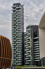 Nuevas tendencias (mArregui) Tags: miln italia construccin edificio wwwarreguimeluscom marregui moda modernidad moderno moderna