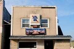 Winger's Tap, Oconomowoc Wisconsin (Cragin Spring) Tags: oconomowoc oconomowocwisconsin oconomowocwi wisconsin wi bar tavern pbr pabst beer beersign piwo bier building unitedstates usa unitedstatesofamerica sign