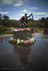 SENGHENYDD MINING DISASTER MEMORIAL, SOUTH WALES. (IMAGES OF WALES.... (TIMWOOD)) Tags: senghenydd colliery disaster memorial waitinfornews statue sisters baby wooden tragedy biggestminingdisasterinbritain 460 lives lost deaths explosion caerphilly welsh wales south
